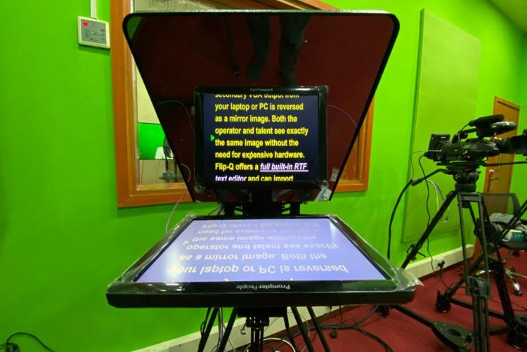 Teleprompter : Department of Journalism and Mass Communication TV and Radio Studio -  UNIVERSITY OF NAIROBI