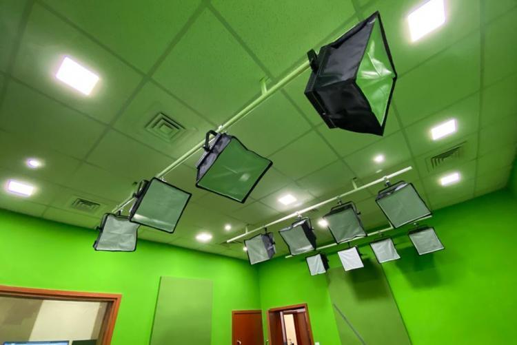 TV Studio Lights : Department of Journalism and Mass Communication TV and Radio Studio -  UNIVERSITY OF NAIROBI